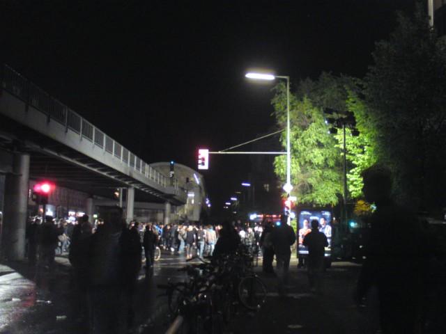 Am Abend des 01. Mai am Görlitzer Bahnhof in Berlin