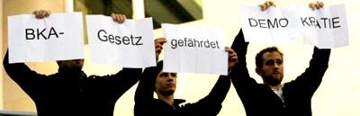 Protest gegen das BKA-Gesetz am 12.11.2008 im Deutschen Bundestag